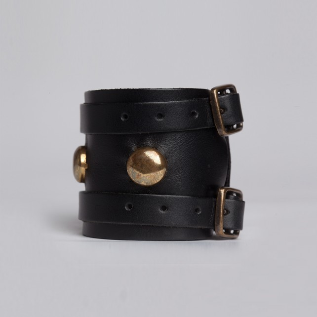 Nailhead Cuff Black