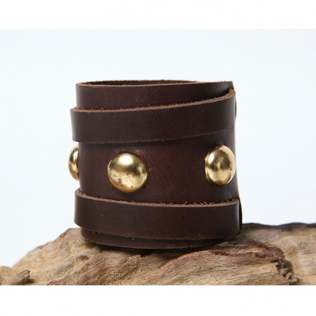 Nailhead Cuff brown